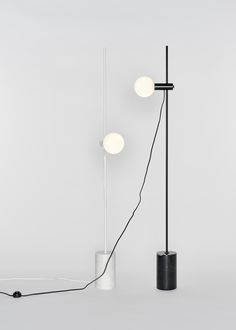 Revolve is a minimal floor lamp created by Rotterdam-based designers Earnest Studio for Bolia. Revolve is an ambient floor lamp which uses weight and pressure to maintain its posture. Diy Studio Lighting, Cool Lighting, Lighting Design, Modern Lighting, Diy Floor Lamp, Wood Floor Lamp, Design Hotel, Küchen Design, Bedroom Lighting