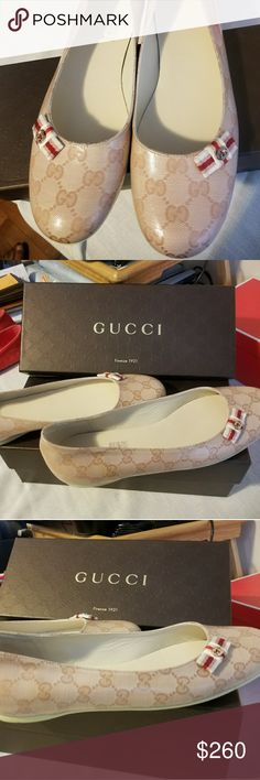 GUCCI AUTHENTIC CRYSTALL BALLERINA FLATS SIZE 41 Authentic, never worn, brand new condition, too tight for my feet. Size 41 Gucci Shoes Flats & Loafers