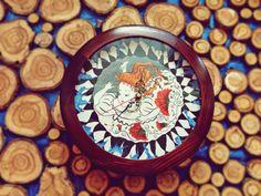 "часы с росписью ""Алиса в стране чудес"" http://www.livemaster.ru/mebelskazka?view=profile"
