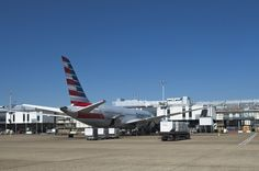 https://flic.kr/p/21ofNVo | N808AN / Boeing 787-8 GE / 40626/326 / American Airlines | Parked at stand 319* (cheers Garry) and getting ready for the next leg.