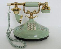 Vintage phone alysonofbathe