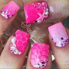Stephanie Rochester @_stephsnails_ PinkMermaid #ar...Instagram photo | Websta (Webstagram) Get Nails, Fancy Nails, Pink Nails, Hair And Nails, Fabulous Nails, Gorgeous Nails, Pretty Nails, Mermaid Nails, Mermaid Glitter