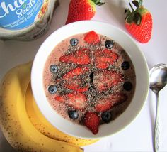 Acai, cacao & coconut water smoothie bowl