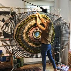 59 Ideas for knitting loom projects weaving techniques Loom Knitting Projects, Weaving Projects, Weaving Art, Tapestry Weaving, Loom Weaving, Circular Weaving, Woven Wall Hanging, Weaving Techniques, String Art