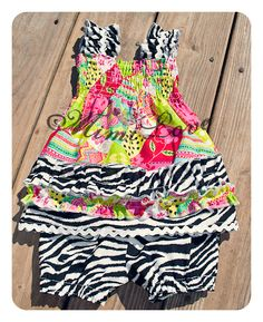 Check it Out! Nice Dresses, Girls Dresses, Diy Dress, Diy For Girls, Diy Clothing, Sewing For Kids, Toddler Dress, Baby Patterns, Diy Fashion