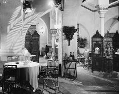 "Interior set of Rick's Café Américain on the set of ""Casablanca"" - Film Casablanca Film, Garden Of Allah, Movie Decor, Shops, Humphrey Bogart, Scene Photo, Art Deco Design, Set Design, Movie Posters"