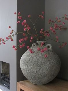 De Zijdebloemen Specialist – Nicola M Vase Deco, Deco Floral, Interior Decorating, Interior Design, Deco Table, Flower Vases, Dried Flowers, Interior Inspiration, Floral Arrangements