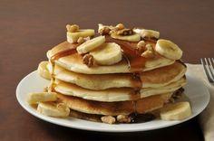 Los hotcakes son un platillo tradicional en casi todos los desayunos, su sabor y suavidad los transforman en algo delicioso para comer a primera hora de la mañana. Si te gustan los hotcakes te quiero enseñar una receta para prepararlos que es muy fácil de hacer y que los transforma en esponjosos y deliciosos, ¡ven!