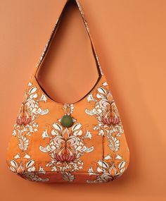 Stitch up this stylish bag, find the free pattern at sewitall.com