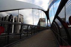 Architetture a Milano: la passerella ciclabile al Portello Foto di Massimo Campi #milanodavedere Milano da Vedere