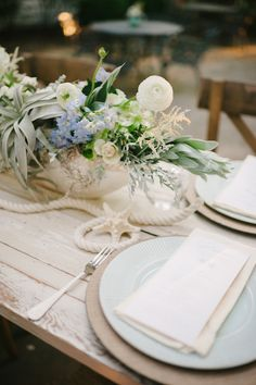 Coastal Chic Wedding Inspiration - www.theperfectpalette.com - Styled by The Perfect Palette, photos by Lauren Rae Photography, floral design by Bre Garvin of Juli Vaughn Designs