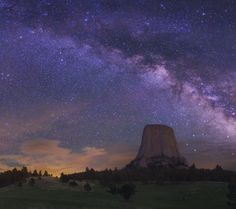 "The famous ""Devil's Tower"" rock formation of ""Close Encounters of the Third Kind"" fame highlighted by the ever beautiful Milky Way. Starry Night Sky, Stars At Night, Night Skies, Mother Earth, Mother Nature, Cosmos, Beautiful Sky, Beautiful Things, All Nature"