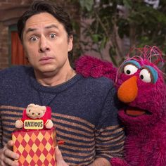 Celebrity Zach Braff teaching us all about the word Anxious in this morning's Sesame Street episode! #Telly #preschool #vocabulary