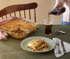 Υλικά 1 πακέτο (500 γραμμ.) χοντρά μακαρόνια για παστίτσιο Για τη σάλτσα κιμά 800 γραμ. κιμάς μοσχαρίσιος μία φορά περασμένος στη μηχανή αλέσεως 1/3 φλ. ελαιόλαδο 2 μέτρια ξερά κρεμμύδια ψιλοκομμένα 2 σκελίδες Sweets Recipes, Pasta Recipes, Dinner Recipes, Recipe For Success, Pleasing Everyone, Food Categories, Greek Beauty, Greek Recipes, Allrecipes