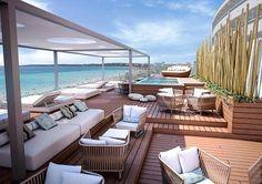 Von der Terrasse des Allsun Hotel Amarac blicken Gäste bis nach Cala Millor