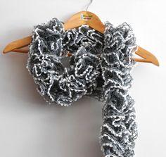 sciarpa volant primaverile grigio acciaio con di cosediisa su Etsy, €15.00