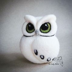 Needle felted owl - custom order for a lovely customer from New York - Pin Coffee Needle Felted Ornaments, Wool Needle Felting, Needle Felting Tutorials, Needle Felted Animals, Wet Felting, Felt Ornaments, Felt Owls, Felt Birds, Felt Animals