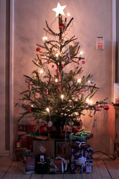 Norwegian Christmas tree. Love it! Would be pretty in a smaller version on top of a table...