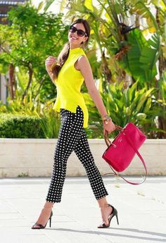 50 Cute Work Outfit for Women In fashion, as in business, presentation is key. 50 Cute Work Outfit for Women In fashion, as in business, presentation is key. Present yourself and your work with confidence when you shop work outfi. Creative Work Outfit, Cute Work Outfits, Curvy Outfits, Mode Outfits, Fashion Outfits, Womens Fashion, Chic Outfits, Work Outfits For Women, Fashion Ideas
