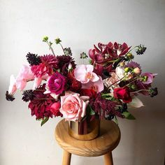 Sincerely loved this wedding 🖤 Some of my favorite blooms to play with of all time. Thank you Han xxx Wedding Flower Inspiration, Wedding Flowers, All About Time, Floral Wreath, Bloom, Vase, Wreaths, Weddings, Play