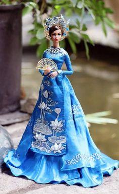 Nice Dresses, Amazing Dresses, Formal Dresses, Top Model Fashion, Barbie Princess, Bear Doll, Fashion Dolls, Barbie Dolls, Poppies