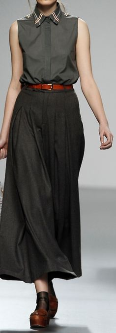 Rue de Beautreillis ~  love the combo of black maxi and those awesome shoes!