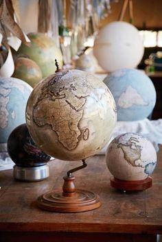 Globemaker – Dans l'intimité d'une des seules fabriques de globes terrestres du monde (image)