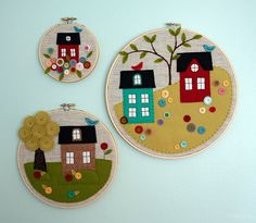 Beautiful trio of little appliqued felt houses in embroidery hoops Hobbies And Crafts, Diy And Crafts, Arts And Crafts, Felt House, Felt Pictures, Felt Decorations, Felt Applique, Embroidery Hoop Art, Felt Ornaments
