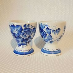 egg cup hand painted blue and white
