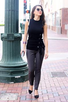 Black and Grey Sophisticated Style. Street Wear. Street Style. Fall Fashion. Classic Women's Fashion.