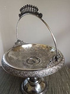 Antique-Aesthetic-Nouveau-Middletown-Quadruple-Silver-Plate-Footed-Bride-Basket