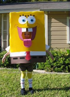 Homemade Spongebob Costume: People Thought SpongeBob was Part of the Show!... Coolest Homemade Costumes