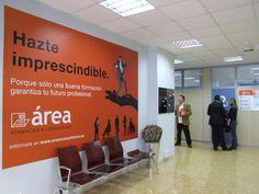 Imagen corporativa para Area Consultores y señaletica de sus centros de formación