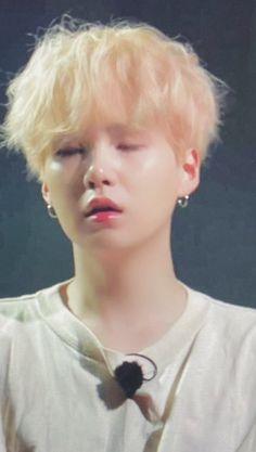 Min Yoongi Bts, Min Suga, Bts Bangtan Boy, Bts Jungkook, Bts Video, Foto E Video, Kpop, Couples Comics, Funny Pictures Can't Stop Laughing