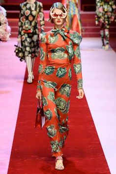 Dolce & Gabbana Spring/Summer 2018 Ready To Wear | British Vogue