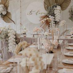 Love this colour palette! Lilac Wedding, Boho Wedding, Floral Wedding, Wedding Flowers, Dream Wedding, Wedding Goals, Wedding Tips, Table Setting Inspiration, Wedding Inspiration