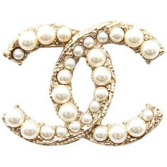 Chanel #11884 Ultra Rare A11a Cc Multisize Pearl Gold Pin Brooch... ($750) ❤ liked on Polyvore featuring jewelry, brooches, yellow gold jewelry, pearl jewelry, pearl broach, gold jewellery and gold jewelry