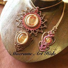 オーダー作品!! シトリンとアゲートのネックレス!! フラワーモチーフとハートモチーフを取り入れた、大人可愛い風な感じにというご要望でした!! メヘンディアーティストさんだったので、曼荼羅フラワー風に!! ハートモチーフはやったことなかったけど、首紐のエンド部分になんとなく2連ハート風(笑) #macrame#pendant #necklace #accessories #Fashion #gemstone #天然石#パワーストーン#ネックレス#ペンダント#アクセサリー#ハンドメイド#handmade #macramearthide#マクラメ#art#アート#design#デザイン#ジュエリー#jewelry#曼荼羅#フラワー#花#flower
