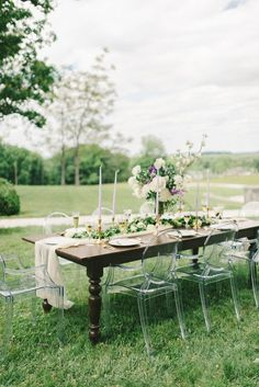 wedding centerpiece idea; photo: Elizabeth Fogarty via Elizabeth Anne Designs