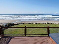 Ocean Front Hm w/ Ocean Front Hot Tub,  Easy Beach Access!