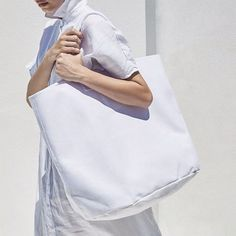 White cotton canvas bag The perfect weekend beach bag. Available also in black, blue & khaki. From My Life Aquatic, discover more on The Wanderlast. Life Aquatic, Blue Khakis, Linen Bag, Summer Essentials, Pure White, Cotton Canvas, Pure Products, Beach, White Cotton