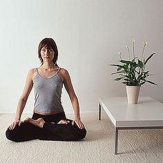 How to Create a Serene Yoga Spot at Home - How to transform a corner or guest room into a calm and dedicated yoga space. Yoga Studio Home, Yoga At Home, Meditation Space, Yoga Meditation, Buddha India, Zen Room, Ashtanga Yoga, My Yoga, Yoga Videos