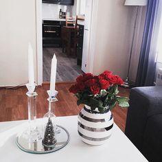 Førjulstid i Larvik☀️ #Førjulstid#Christmas#Roser#Sol#Jul#Christmasinterior#Chrismasdecor#Christmas_interior#Details#Home#Kähler#Omaggio
