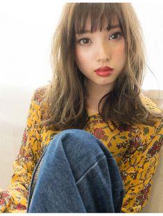 アフロートナゴヤ(AFLOAT NAGOYA) 大人っぽく可愛いシースルーバングとシアカラー アフロート石田 Japanese Sexy, Japanese Beauty, Asian Beauty, Cute Girls, Cool Girl, Japan Girl, Pure Beauty, Hairstyles With Bangs, Ulzzang Girl