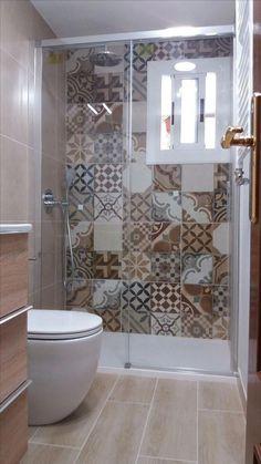 44 best small bathroom ideas for your apartment decorating 35 Badezimmer Bathroom Design Small, Bathroom Layout, Bathroom Interior Design, Interior Decorating, Bathroom Ideas, Bathroom Organization, Bath Design, Bath Ideas, Bathroom Designs