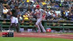 STL@PIT: Holliday singles home Carpenter in the 4th... 09-30-15