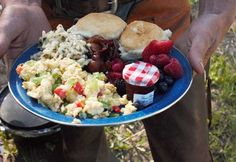 Guests eat well at the best dude ranches for families Dude Ranch Vacations, Hobo Dinners, Airboat Rides, Guest Ranch, Campfire Food, Family Vacation Destinations, Kids Ride On, Cast Iron Cooking, Programming For Kids