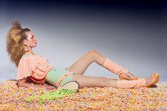 Fashion & accessories: Dorrith de Roode Bag: Marlous de Roode Photography: Michael Danker Hair / Make-up: Charlotte Mailhe Model: Iris Coopmans