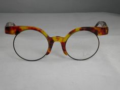 front width (temple to temple): 126 mm. Funky Glasses, Mens Glasses, Eyes Meme, Fashion Eye Glasses, Optician, Eccentric, Eyeglasses, Eyewear, Eye Candy