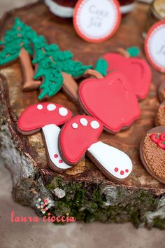 Little Sooti: Cookies for Vintage Little Red Riding Hood.